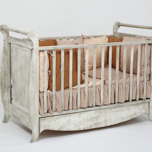 patut bebe Vintage din lemn integral